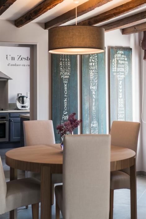 Salle à manger à Bué par Virginie Vaudenay décoratrice ufdi Couleur de vie Bué en Sancerre dans le Cher (18)