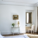 Chambre d'hôtes blanc & or APRES St Amand Montrond