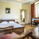 Chambre d'hôtes rouille & beige APRES St Amand Montrond