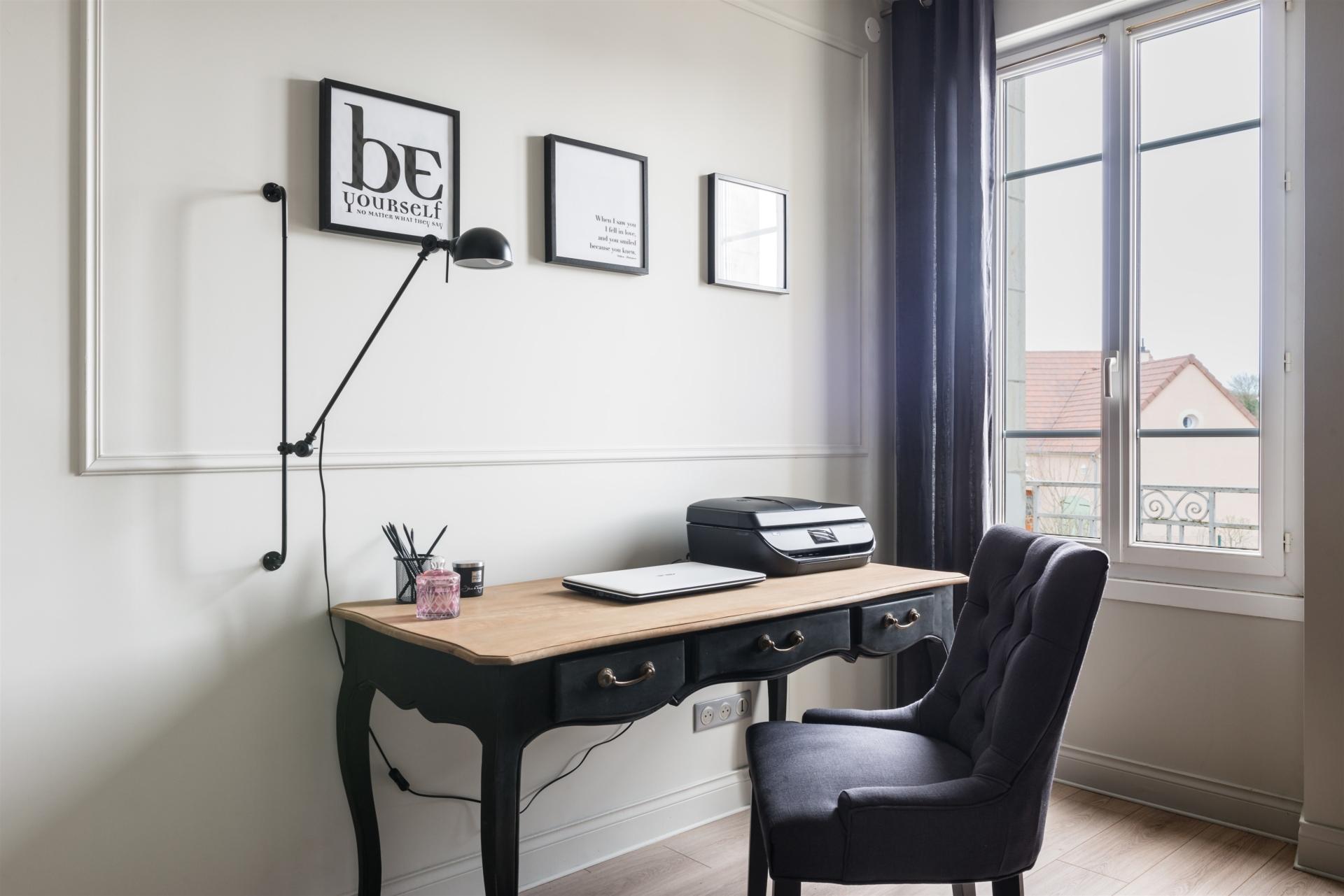 Dessin animé plat vecteur intérieur bureau chambre noir et blanc