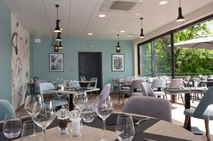 Salle de restaurant Varennes-Vauzelles 58 par virginie vaudenay décoratrice ufdi couleur de vie à Bué en sancerre dans le cher (18)